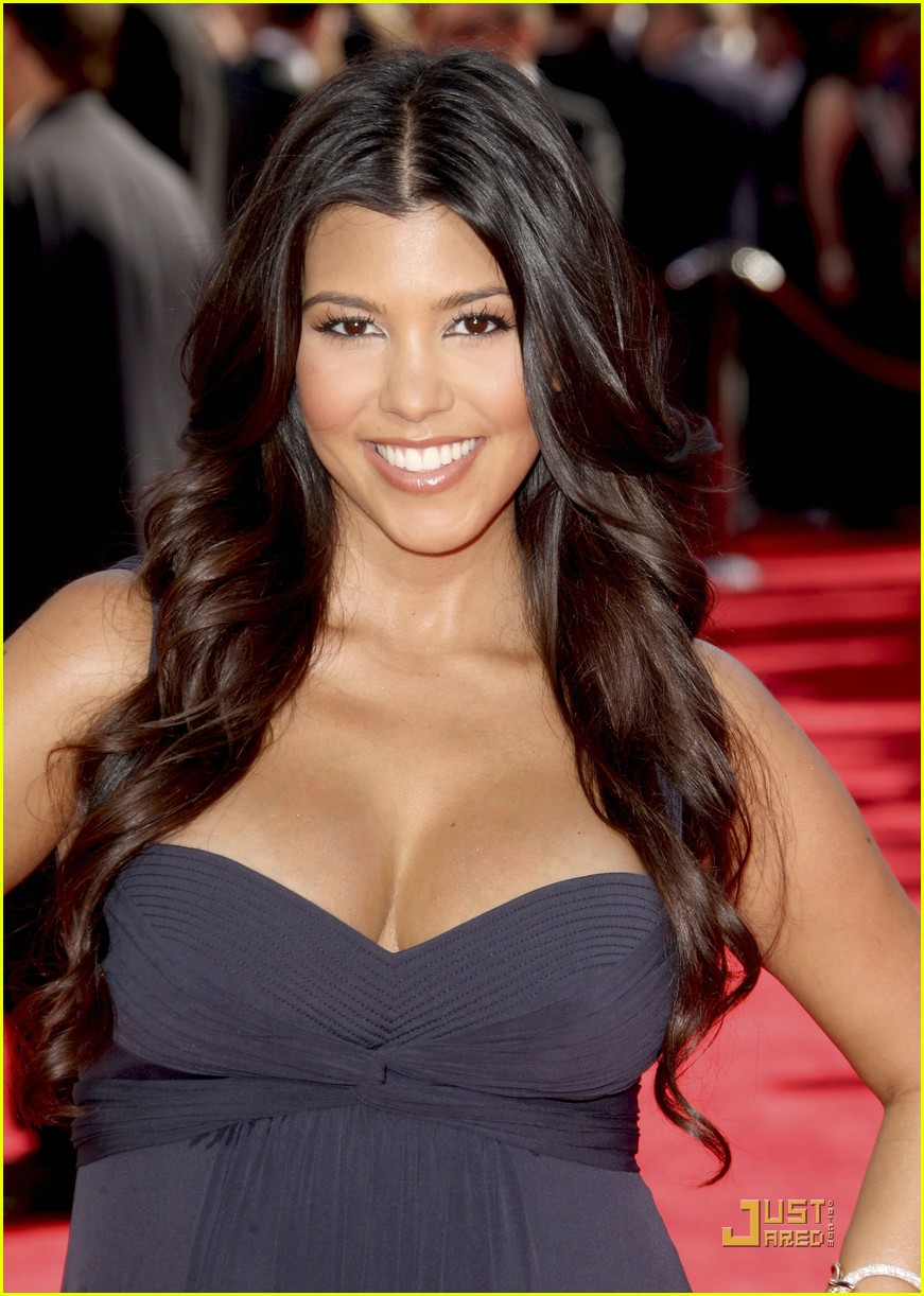 kim kardashian emmy awards 2009 132231012