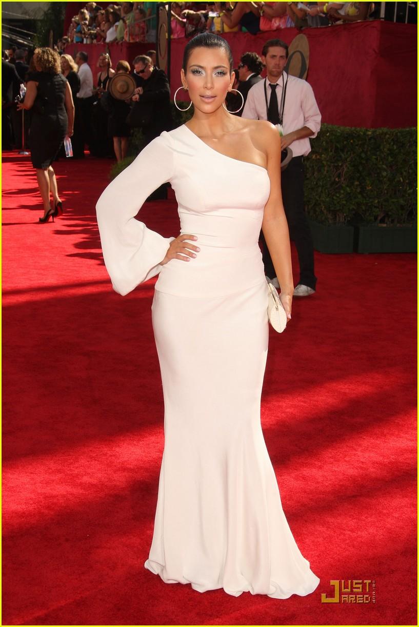 kim kardashian emmy awards 2009 172231052