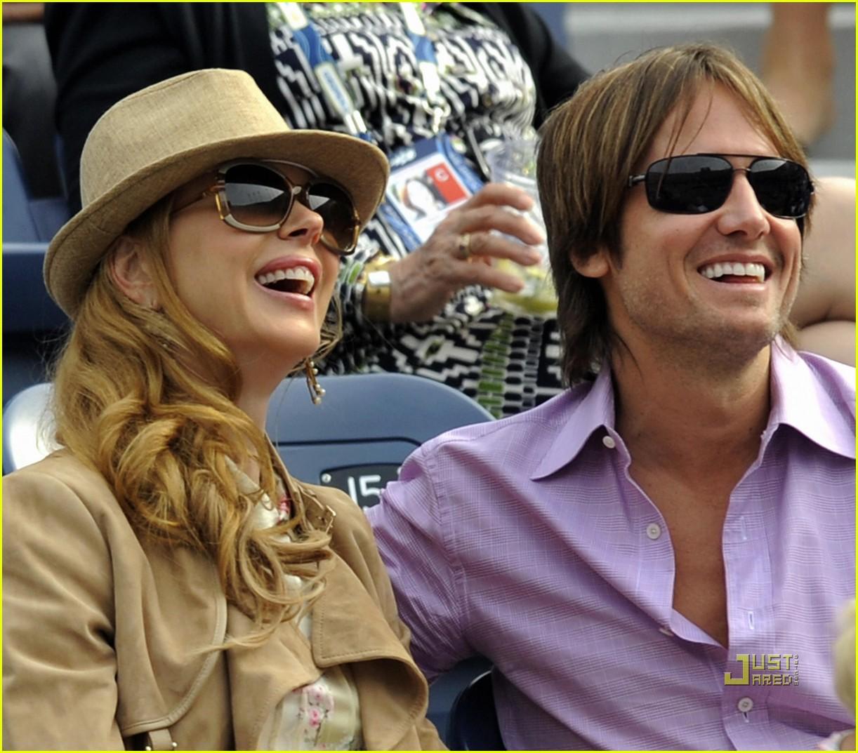 Mariah Carey & Boyfriend James Packer Arrive in Aspen