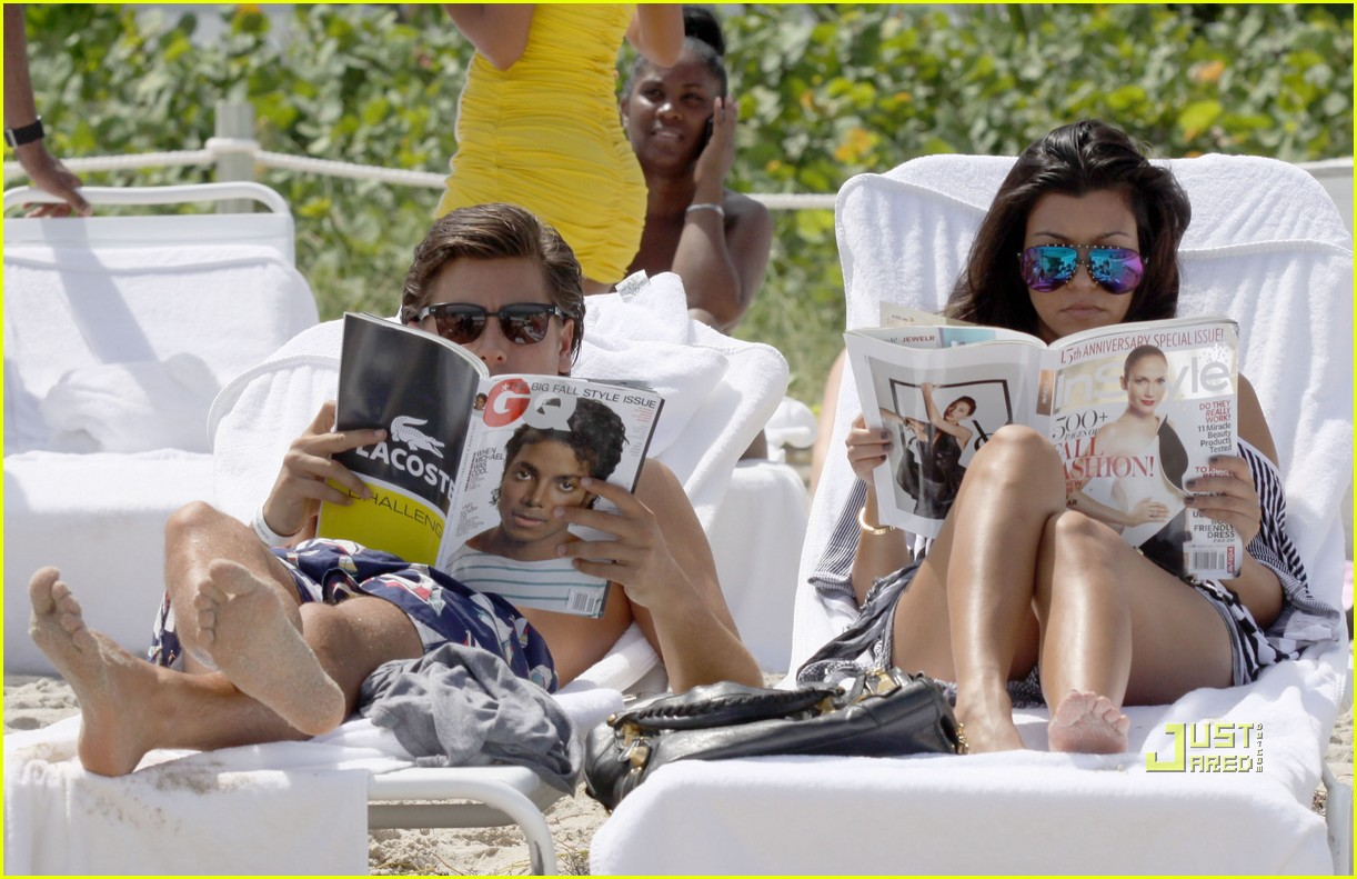 kourtney kardashian scott disick beach 20