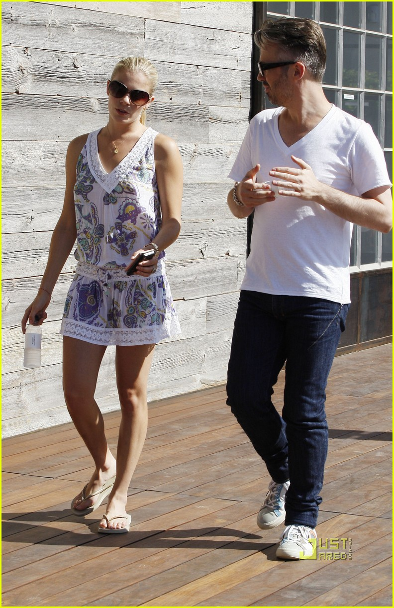 leann rimes thai beach restaurant 152195772