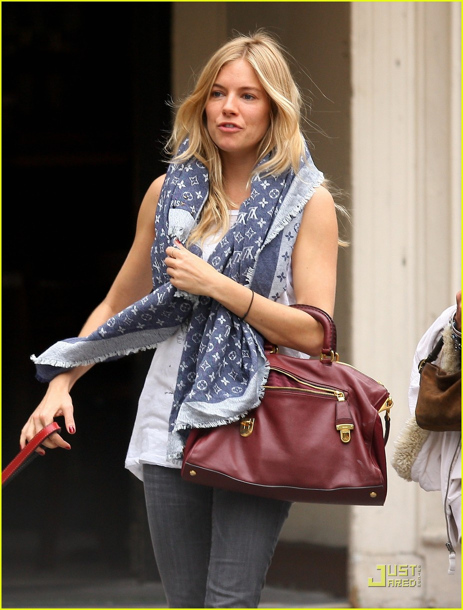 sienna miller red boots beautiful 01
