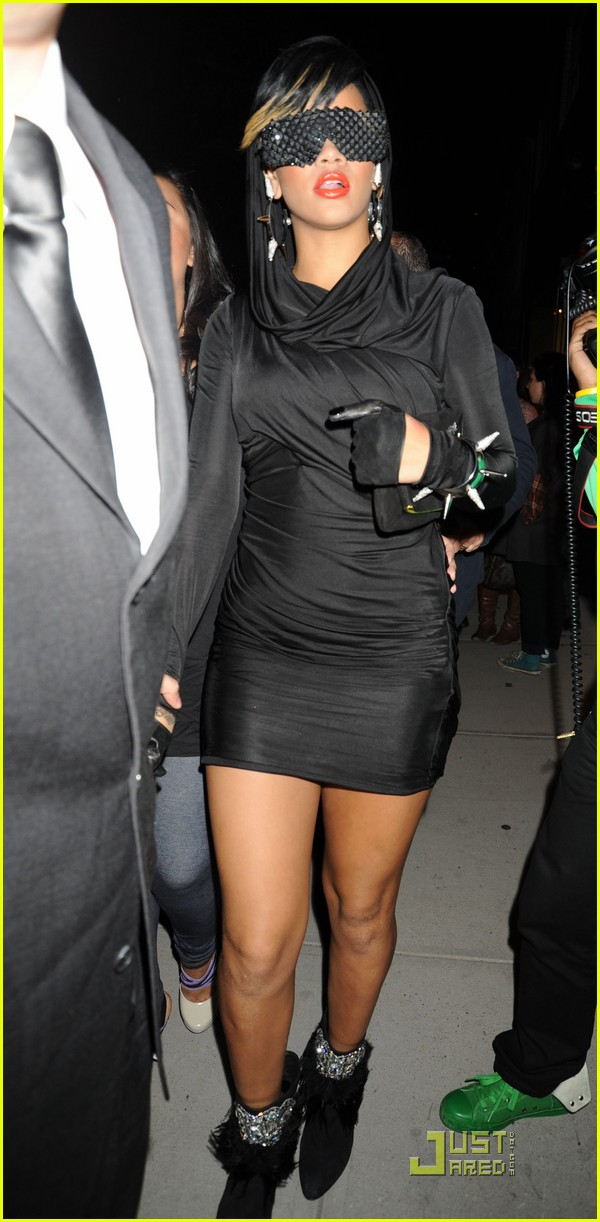 rihanna fashion week 082205501