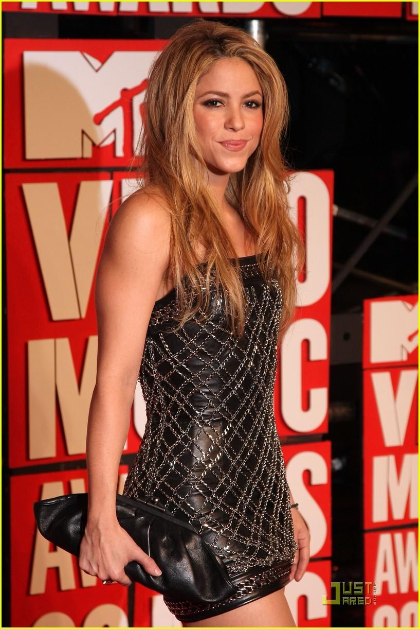 aa715eec Shakira and Pink - MTV VMAs 2009: Photo 2211631 | 2009 MTV VMAs ...