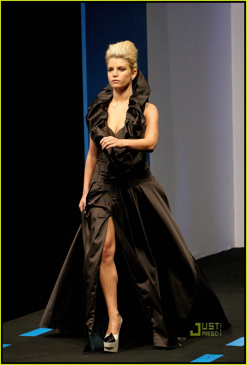 jessica simpson catwalk queen 05