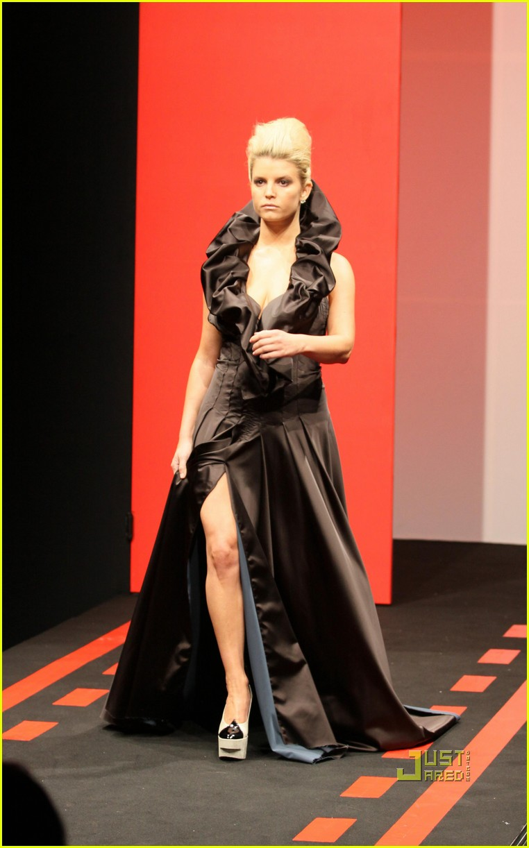 jessica simpson catwalk queen 142185882