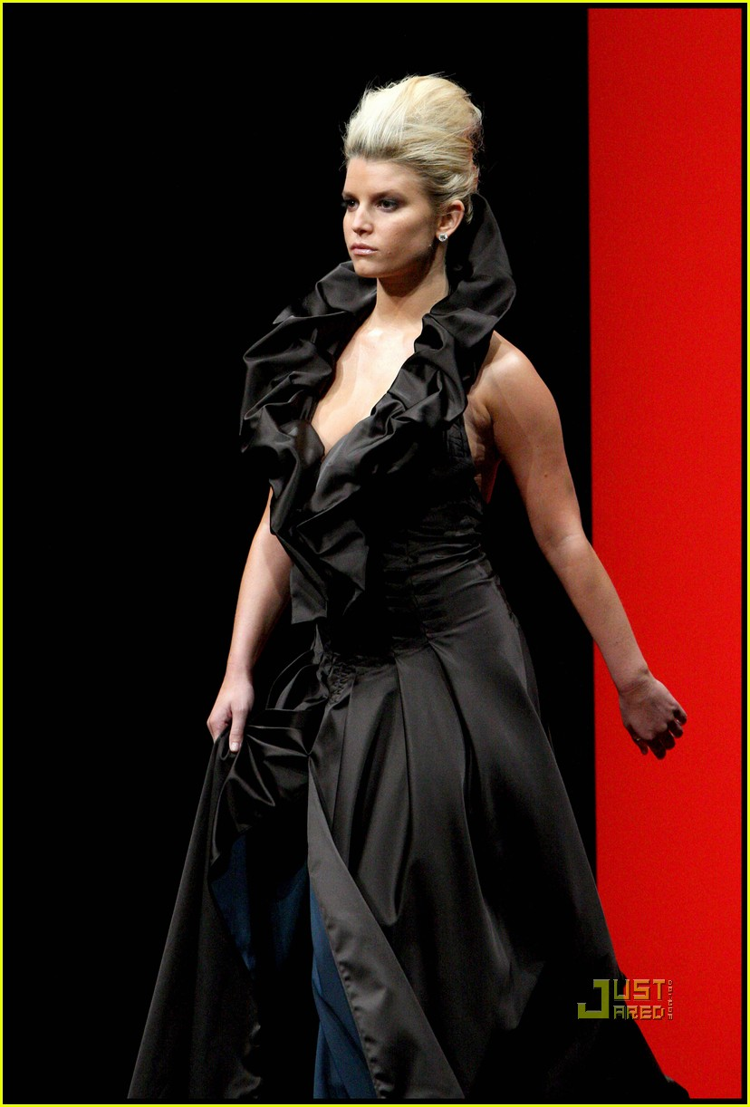 jessica simpson catwalk queen 162185902
