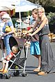tori spelling frequents the flea market 16