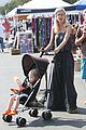 tori spelling frequents the flea market 19
