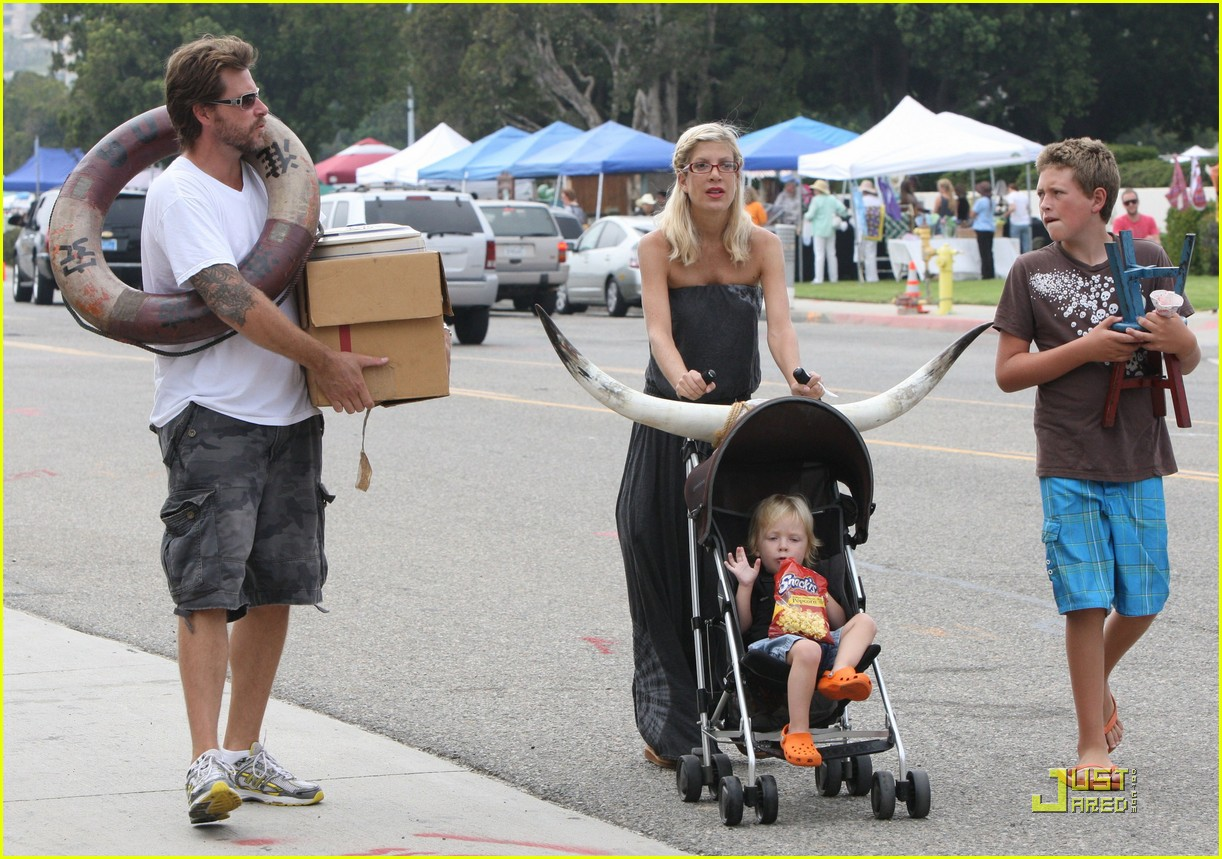 tori spelling frequents the flea market 262248742