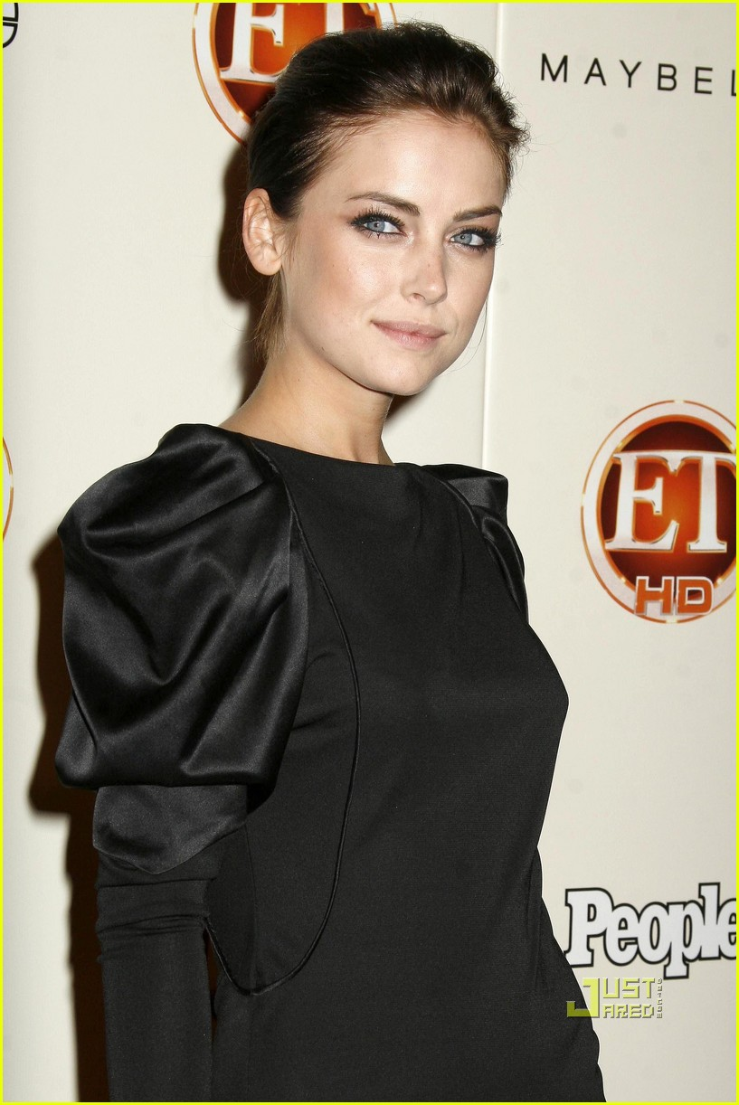 jessica stroup kellan lutz emmy party 122238032