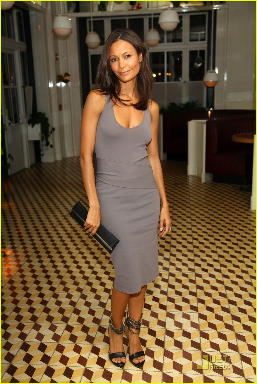 thandie newton london fashion week 012237822
