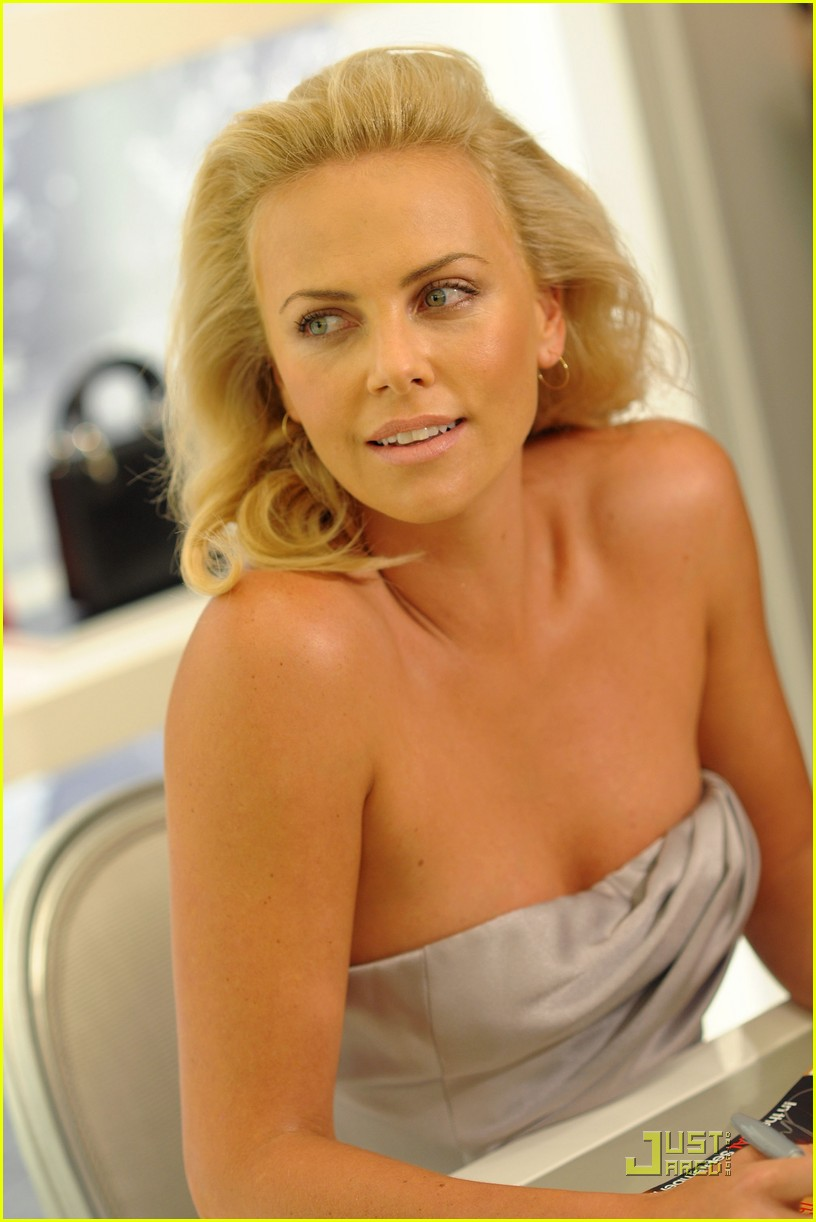 charlize theron dior darling 102206791