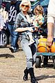 christina aguilera visits a pumpkin patch 11