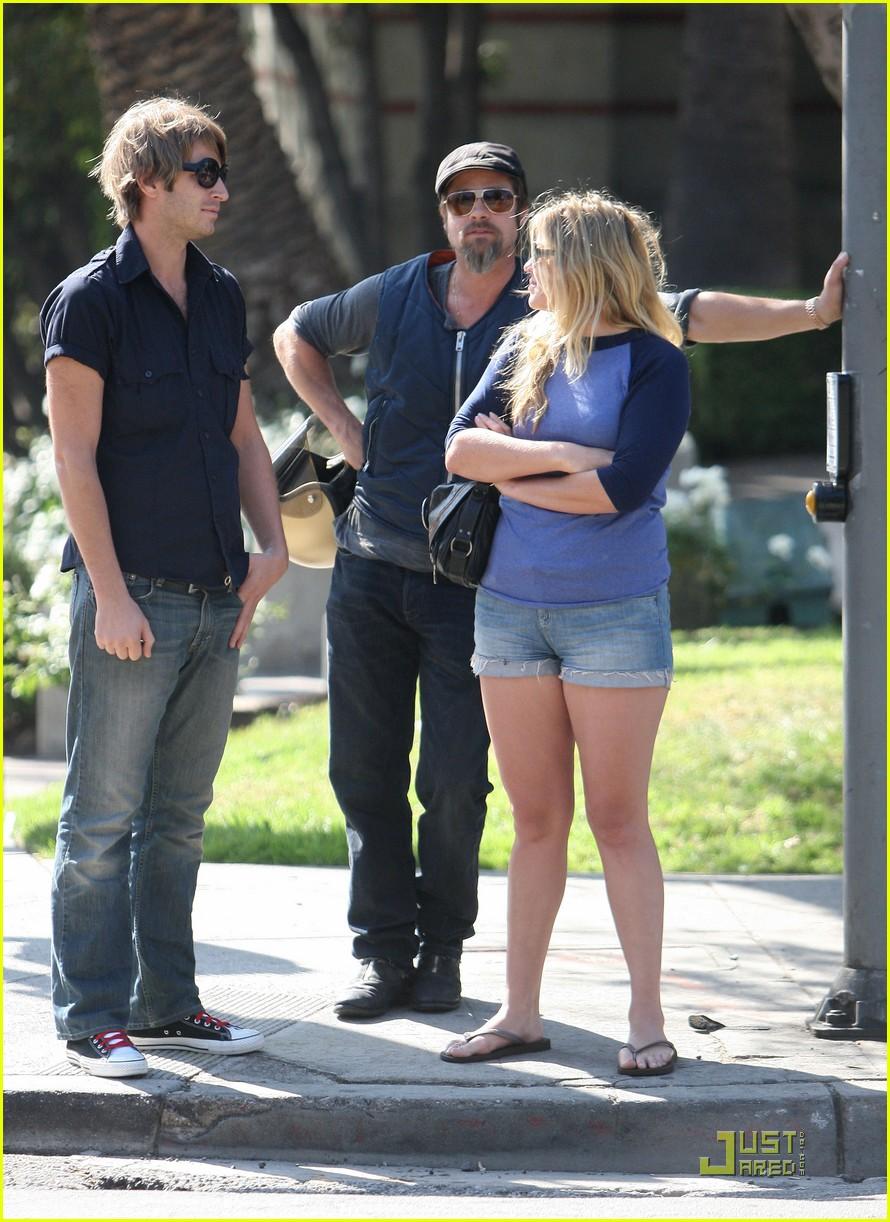 Pics photos brad pitt on motorcycle - Brad Pitt Gets Into A Fender Bender Photo 2310982 Brad Pitt Pictures Just Jared