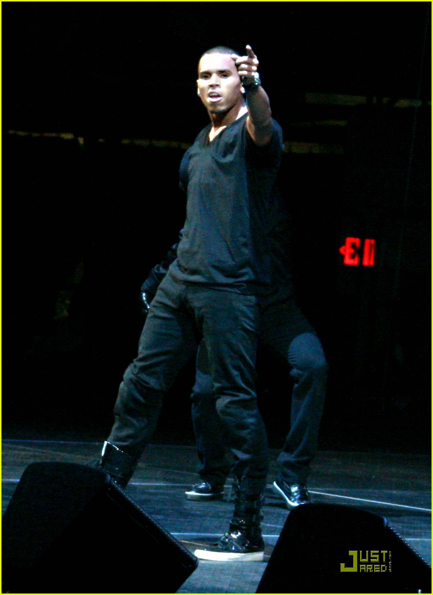 chris brown performs at powerhouse 28