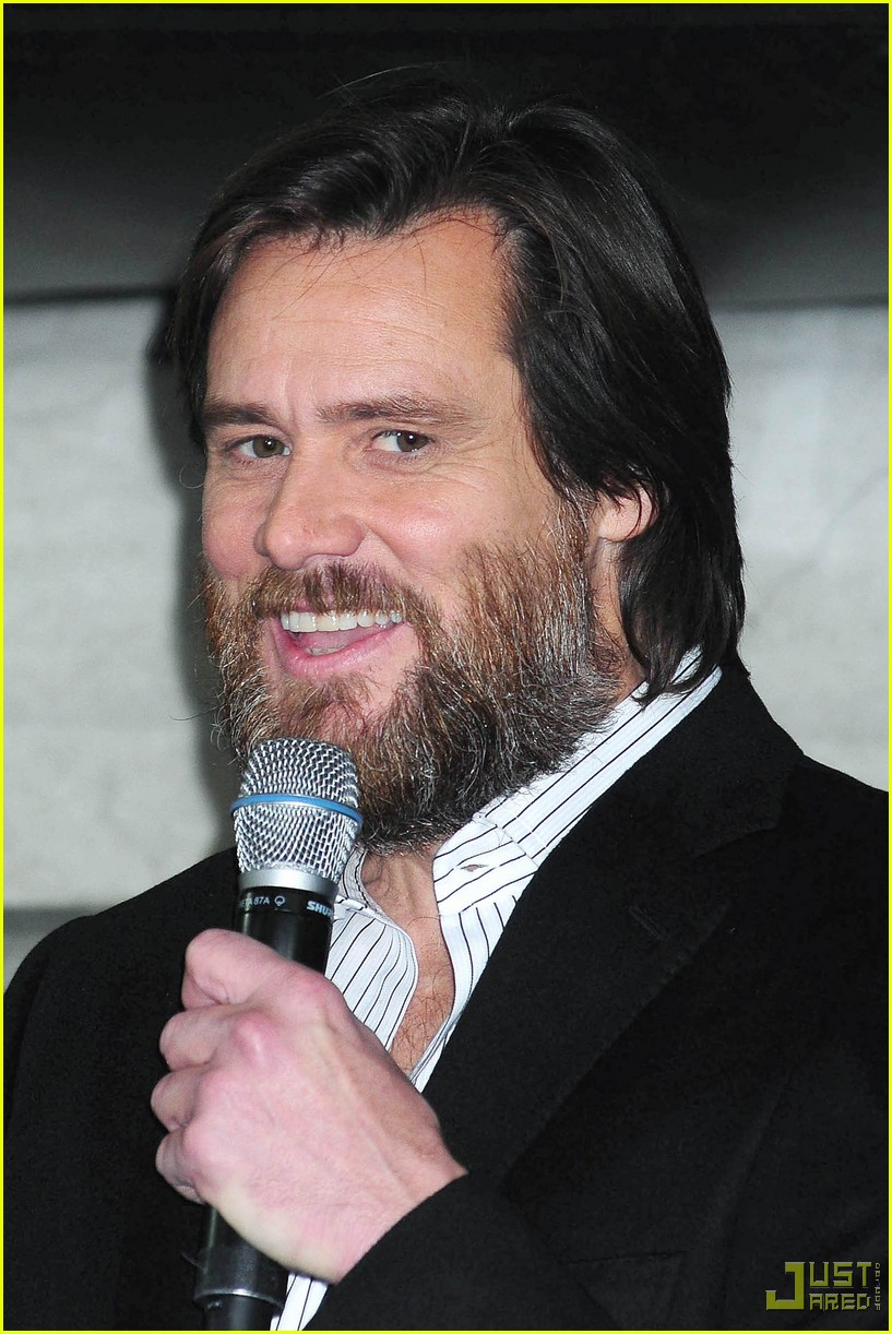 Jim Carrey Christmas Carol.Jim Carrey Vomits Christmas Photo 2324101 Jim Carrey