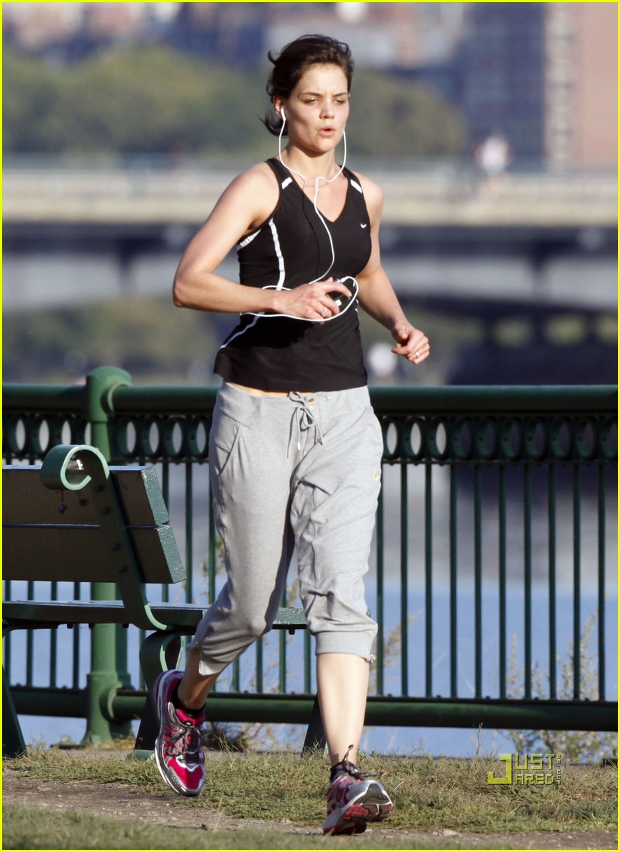 tom cruise katie holmes charles river run 17