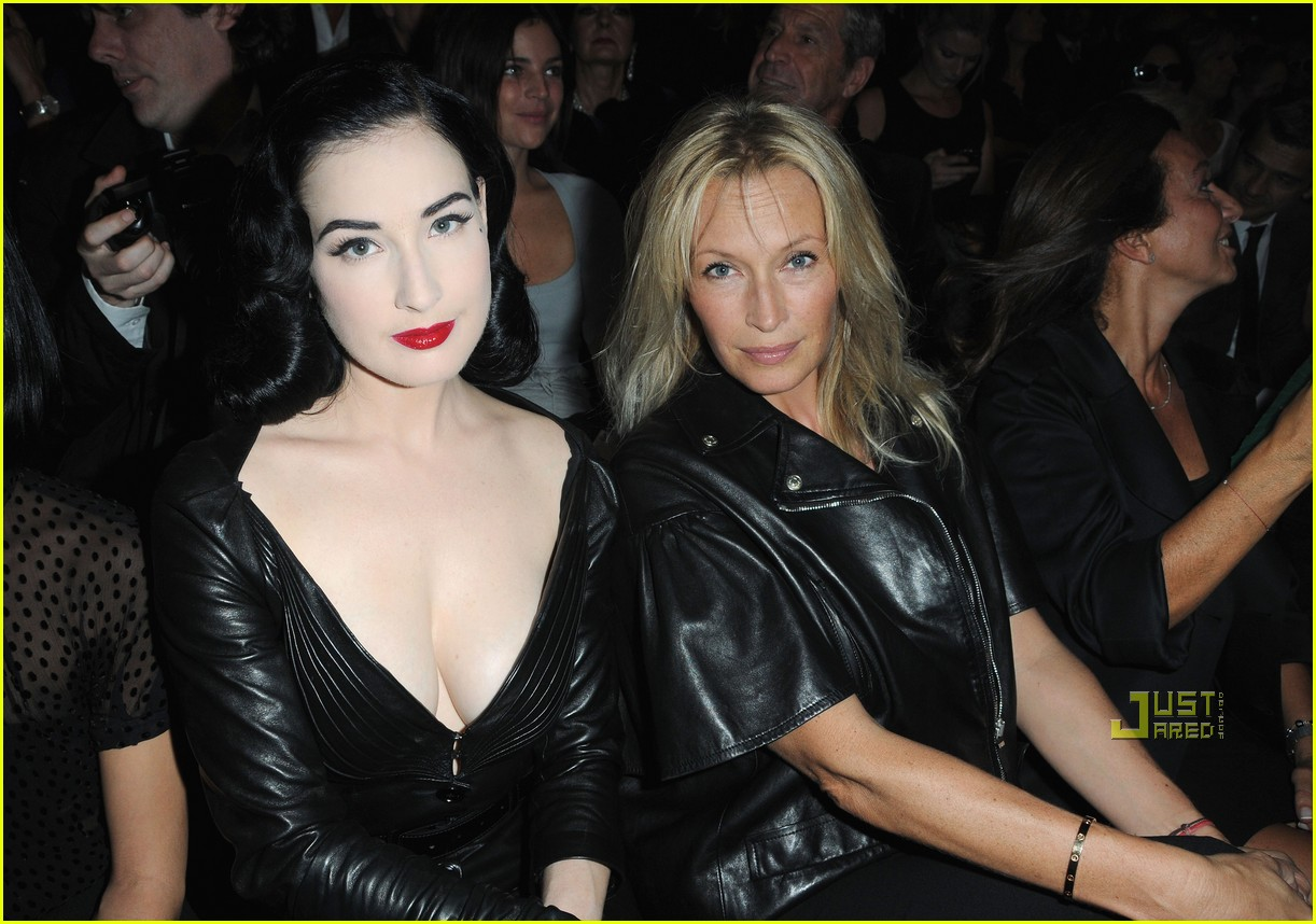 dita von teese domina leather dior 01