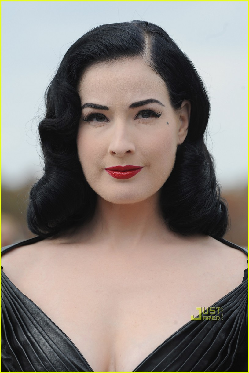 dita von teese domina leather dior 03