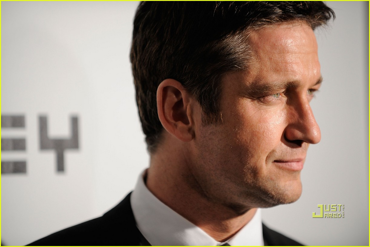 gerard butler whitney studio party 05