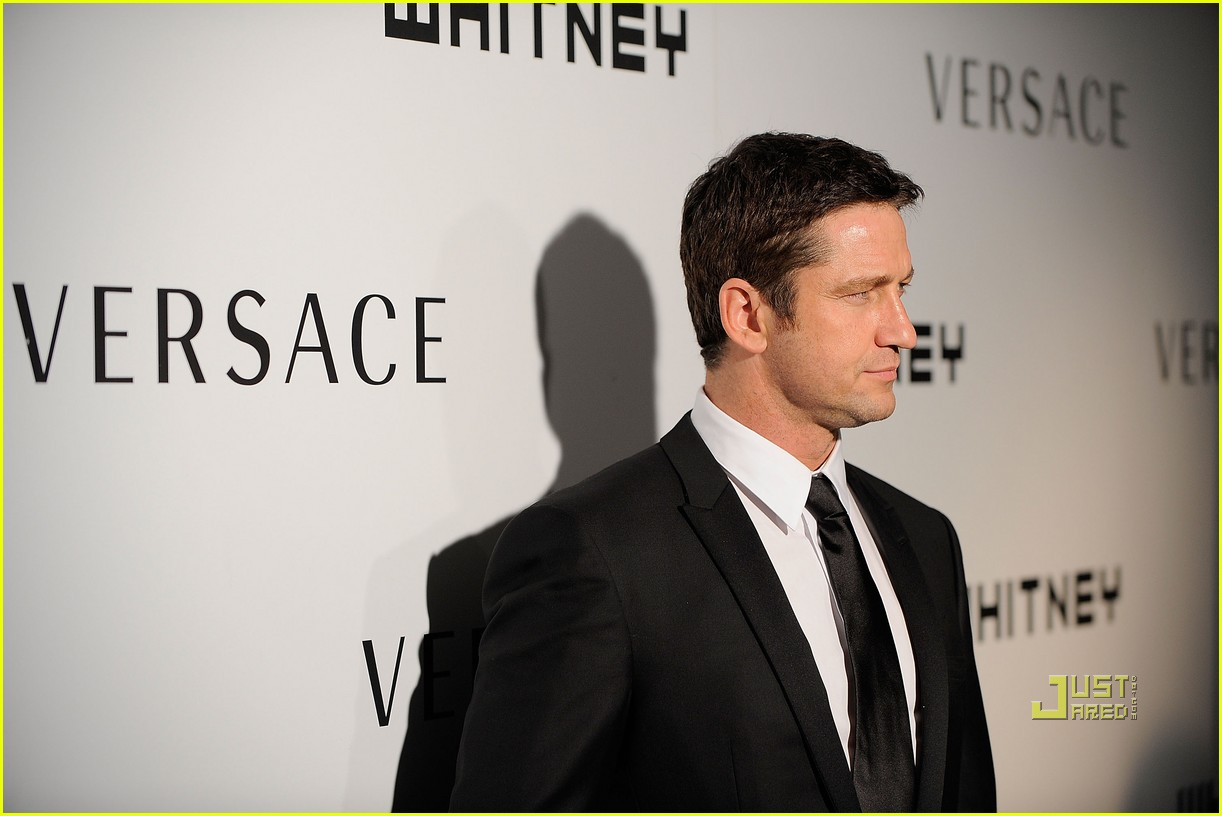 gerard butler whitney studio party 092298991