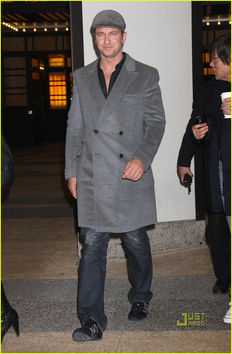 gerard butler whitney studio party 152299051