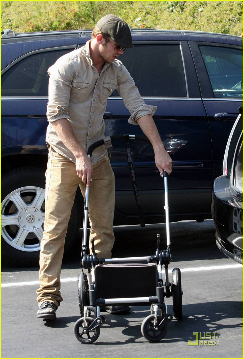 cam gigandet lovely lunch 052276262