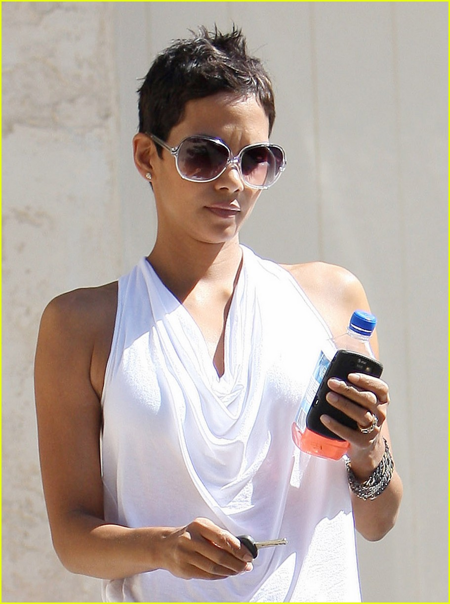 halle berry backside touched 132258752