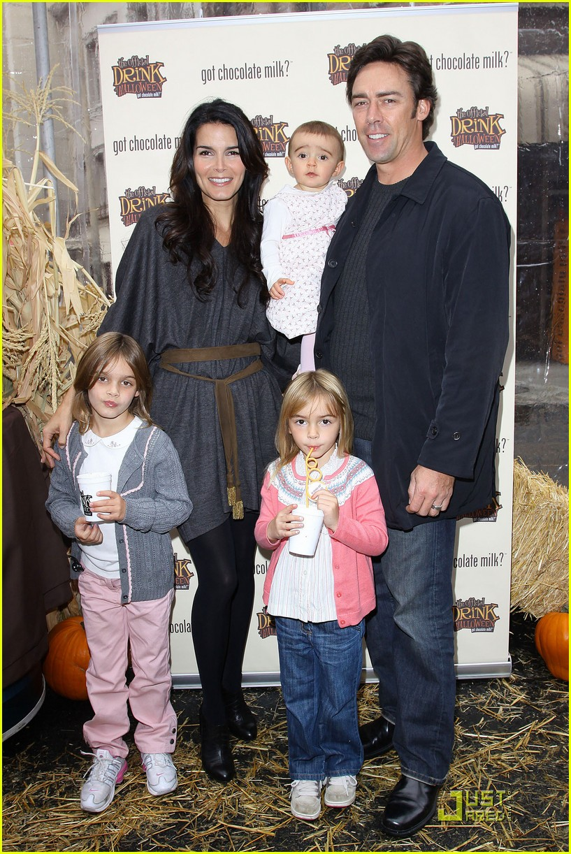 angie harmon celebrates chocolate milk 052285602