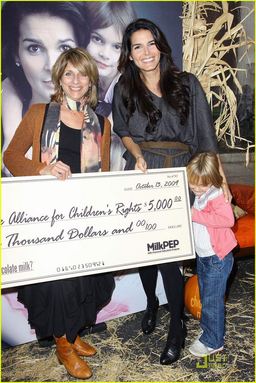 angie harmon celebrates chocolate milk 08