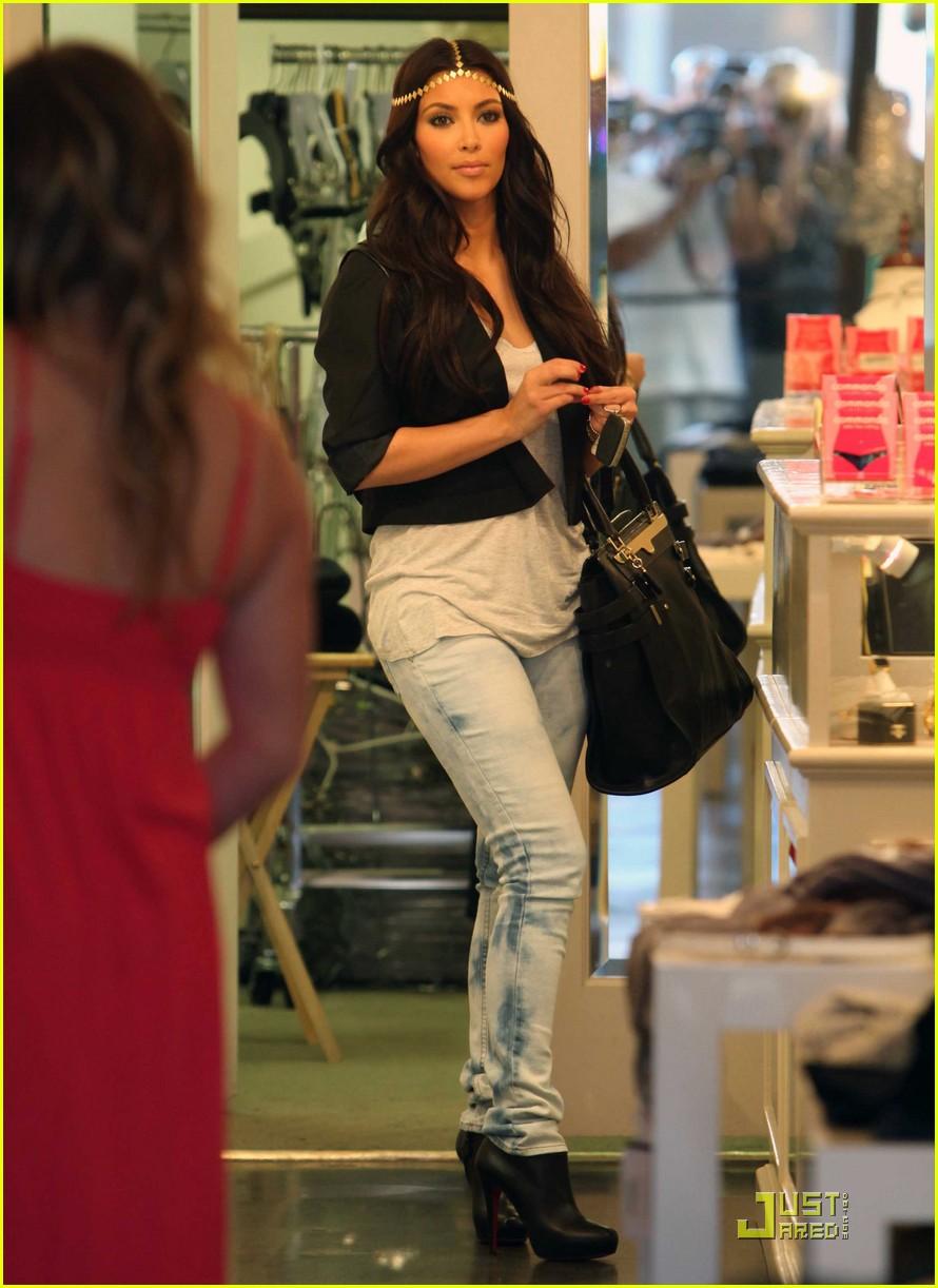 Beyonce Baby Kim Kardashian Dives I...