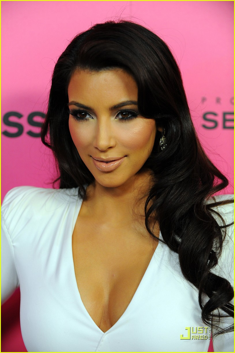 kim kardashian 2009 annual hollywood style awards 15