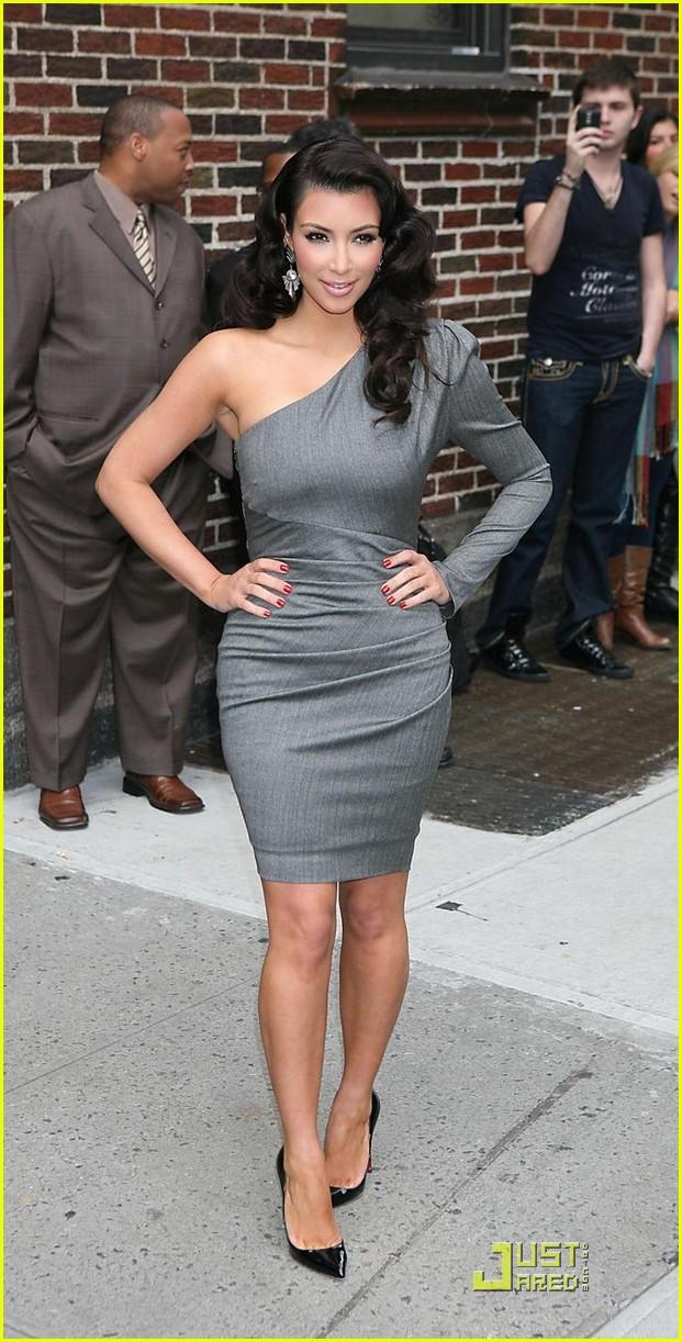 kim kardashian loves the late show 07