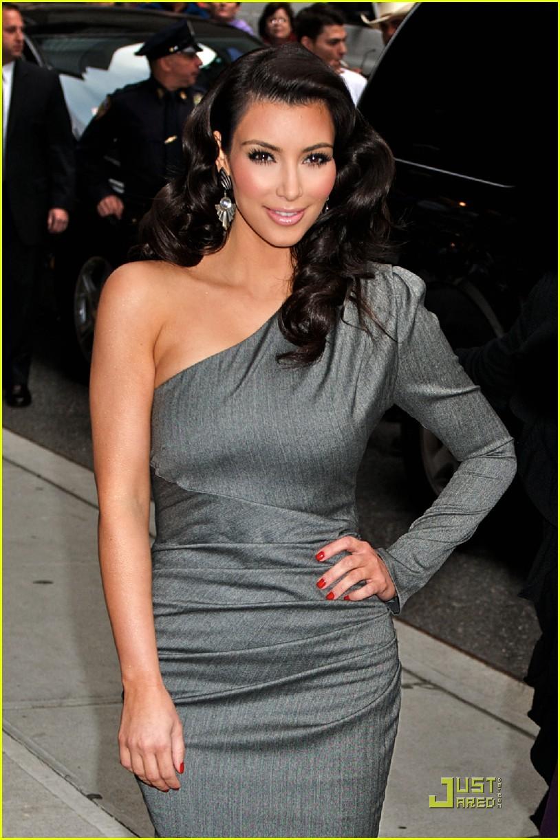 kim kardashian loves the late show 082258602