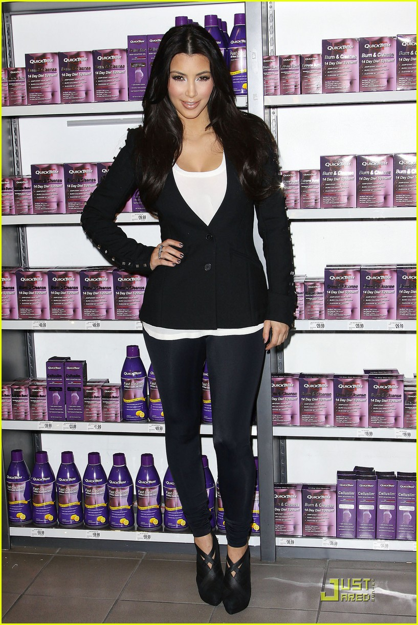 kim khloe kardashian queens of quicktrim 082290341