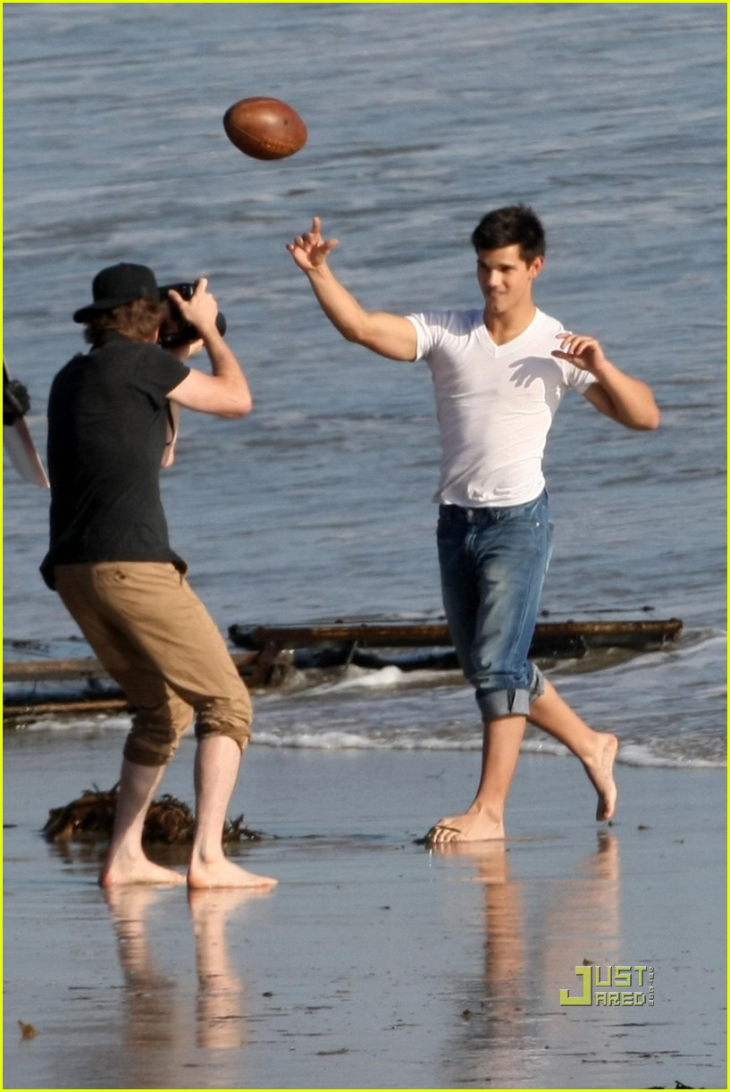 taylor lautner rolling stone photo shoot 17