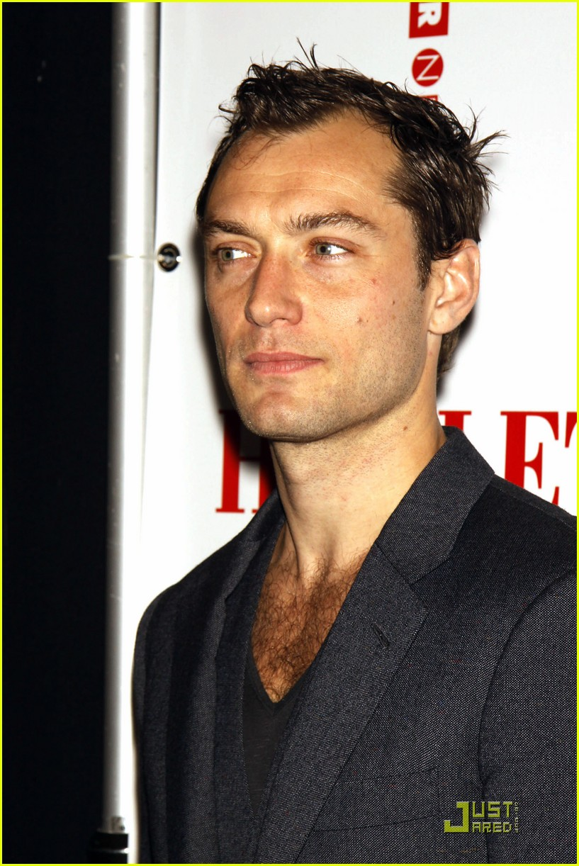 jude law opening night curtain call 132270851