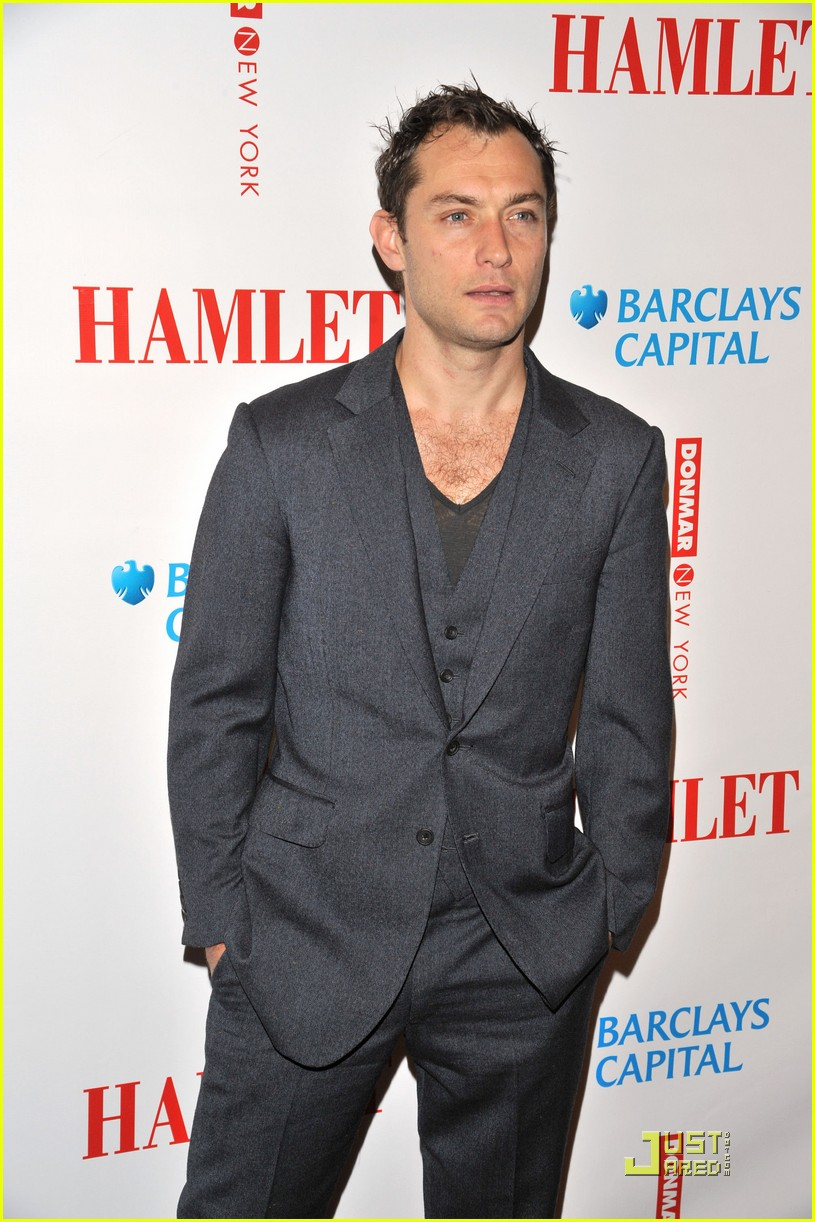 jude law opening night curtain call 162270881