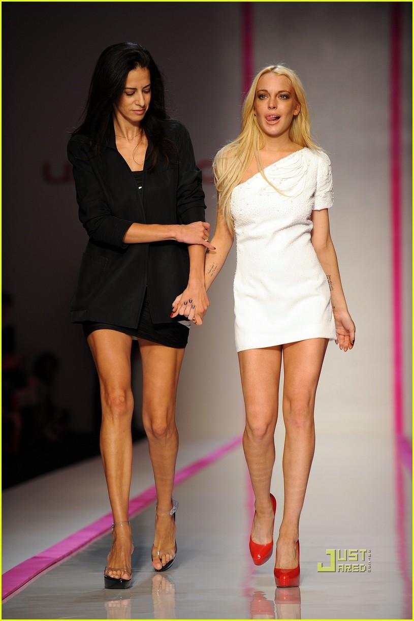 lindsay lohan ungaro fashion show 012262251