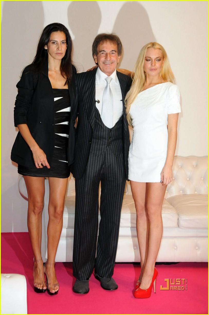 lindsay lohan ungaro fashion show 222262461