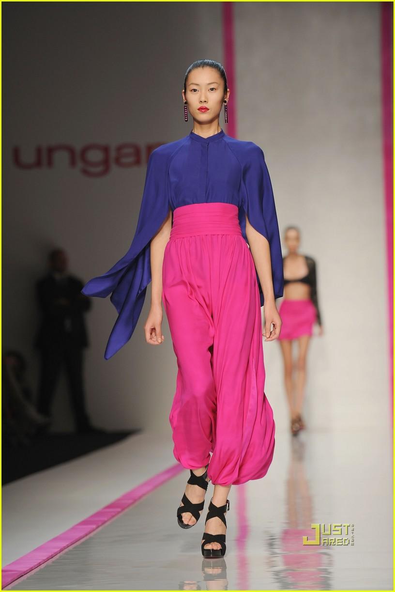 lindsay lohan ungaro fashion show 262262501