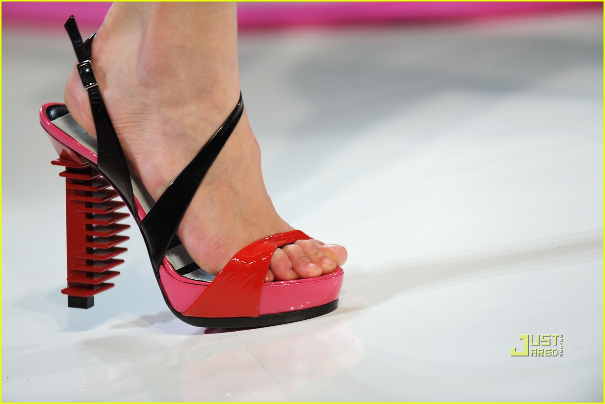 lindsay lohan ungaro fashion show 282262521