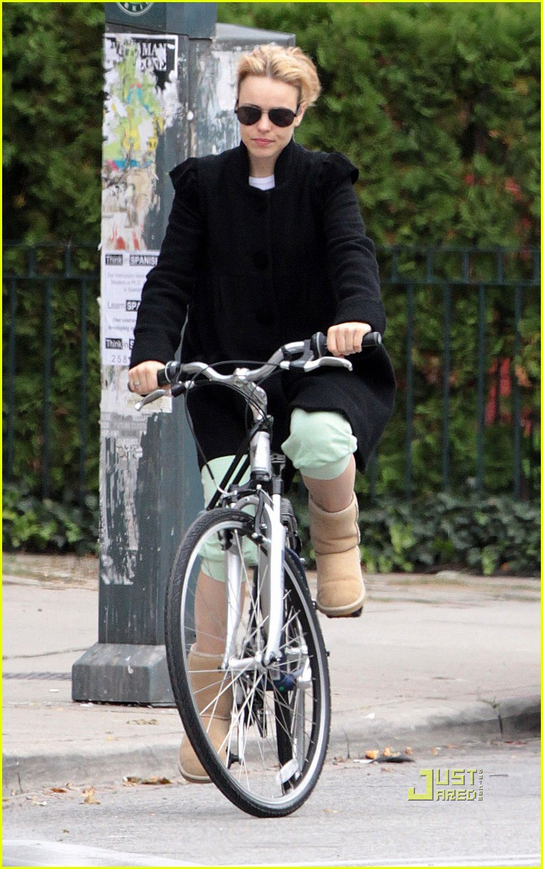 rachel mcadams bicycle 032263141
