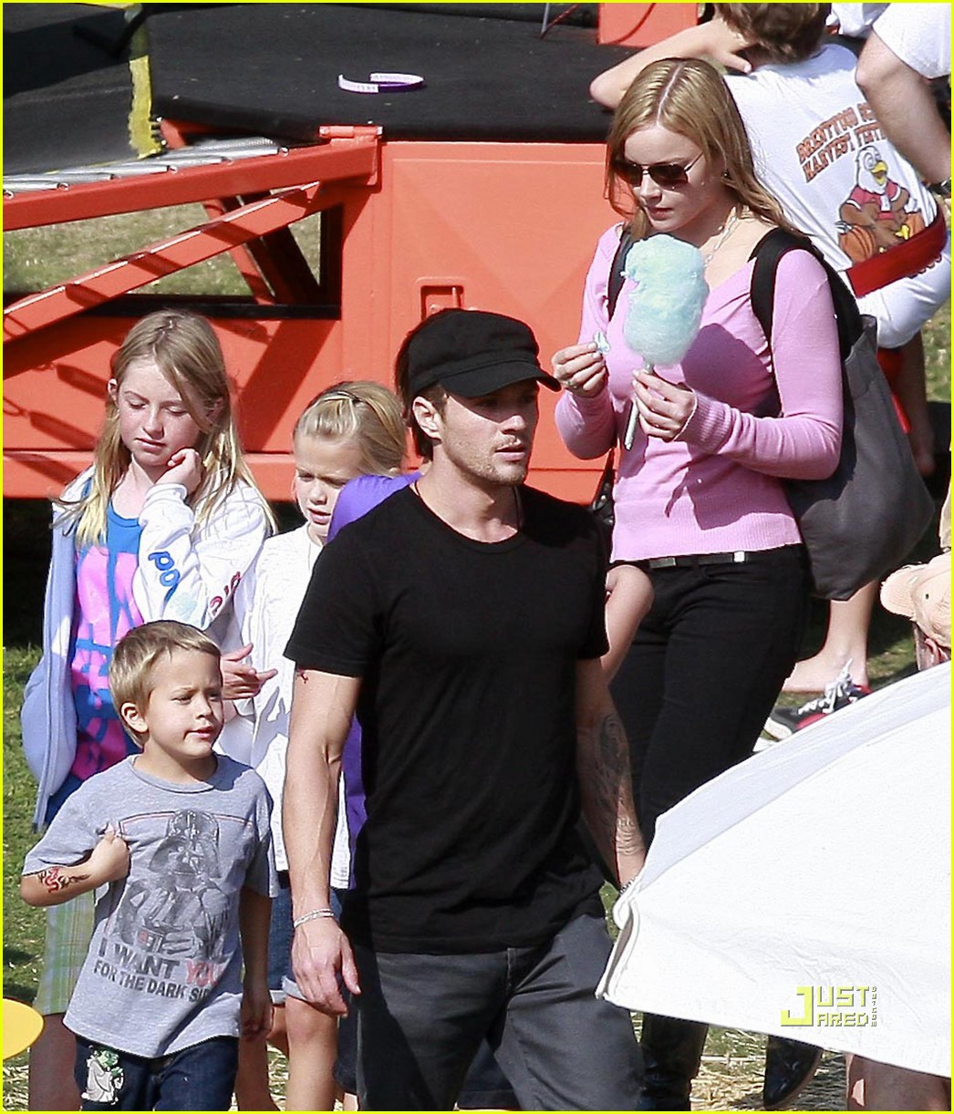 ryan phillippe abbie cornish harvest festival 032281582