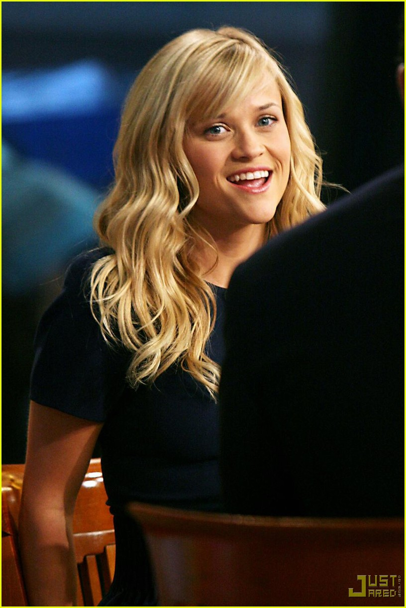 Bangs >> Full Sized Photo of reese witherspoon good morning america 04   Photo 2320092   Just Jared