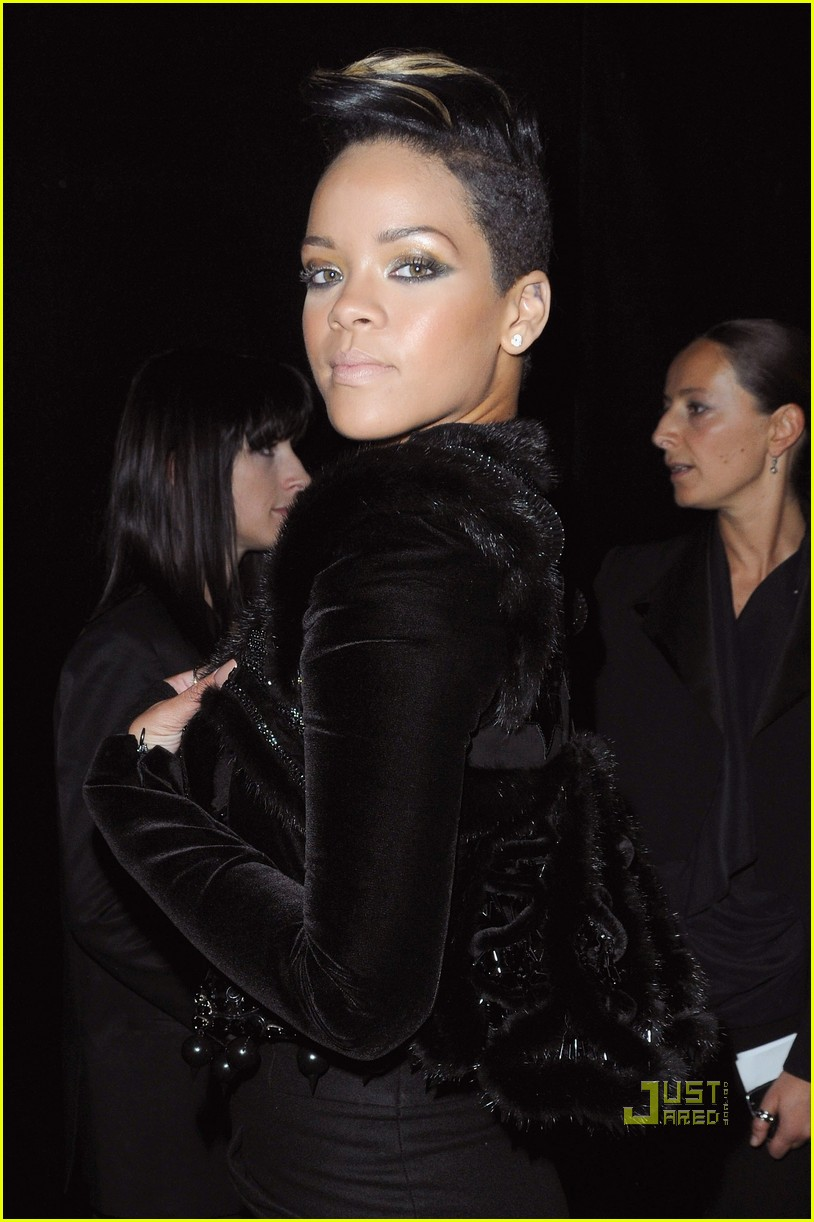 rihanna givenchy paris fashion week 072262932