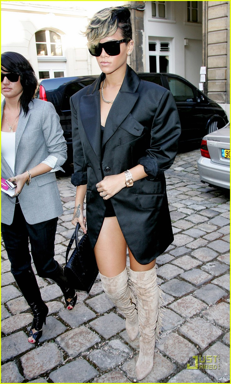 rihanna vivienne westwood paris fashion week 032259821