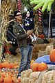 kingston zuma rossdale pick pumpkins 26
