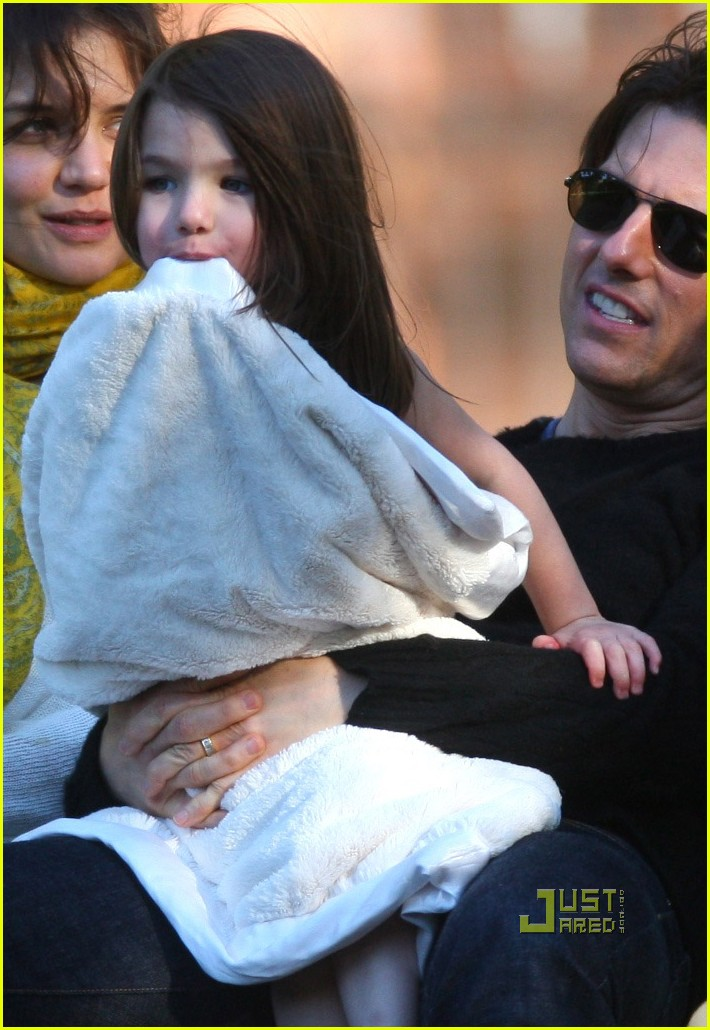 ... cruise chasing tom cruise katie holmes 07 | Photo 2278761 | Just Jared Katie Holmes